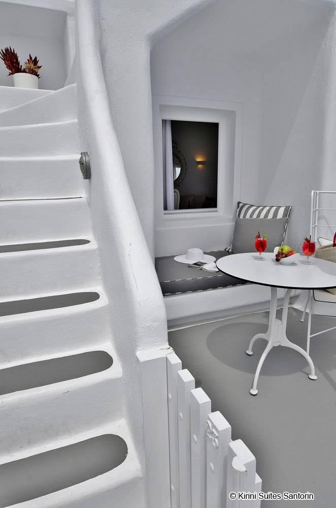 kirini suites spa hotel santorin 5 sterne luxushotels. Black Bedroom Furniture Sets. Home Design Ideas
